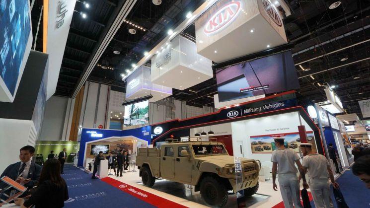 기아차, 軍소형 전술차 '4인승 카고 트럭' 들고 UAE 방산전시회 참가