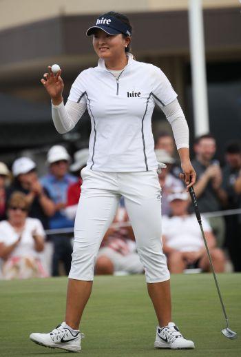 고진영이 호주여자오픈에서 2위를 차지해 세계랭킹 8위로 도약했다.