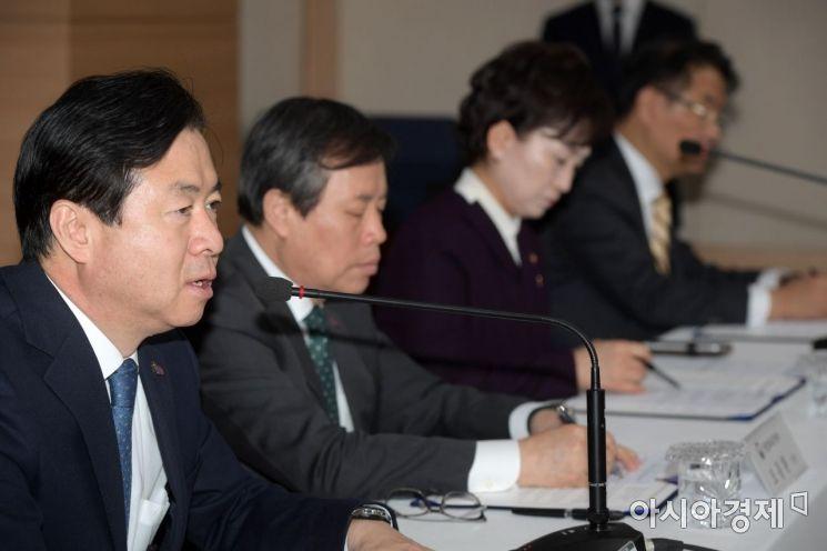 [포토]발언하는 김영춘 해수부 장관