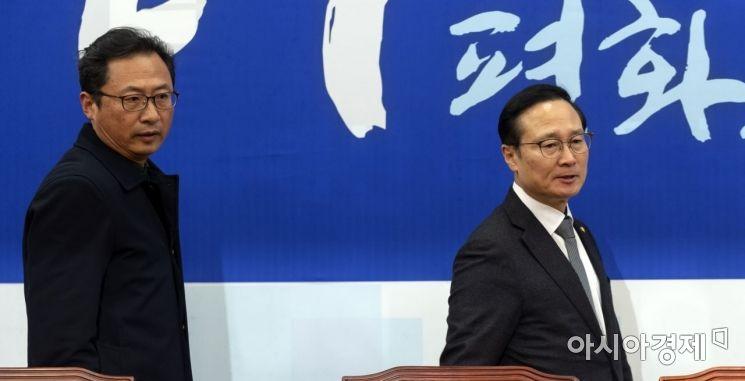 [포토] 민주당 찾은 김명환 민노총 위원장