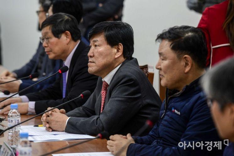 [포토]노동시간제도개선위원회 전체회의 참석한 이철수 위원장