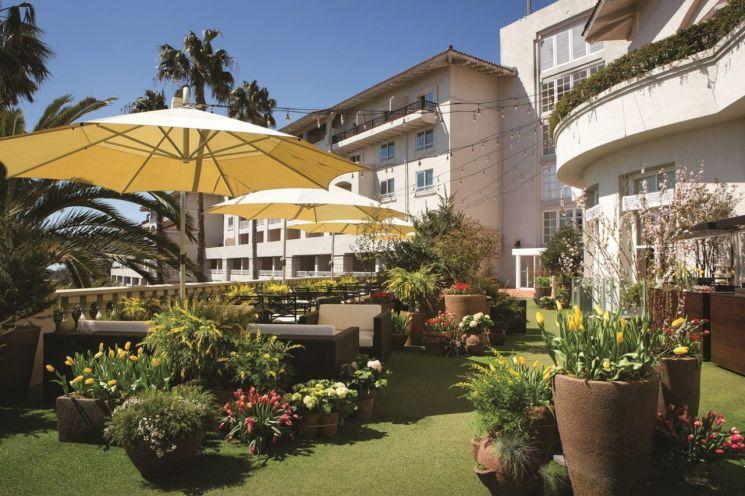 이른 '봄캉스' 즐겨볼까…호텔·리조트로 떠나는 낭만 봄 나들이