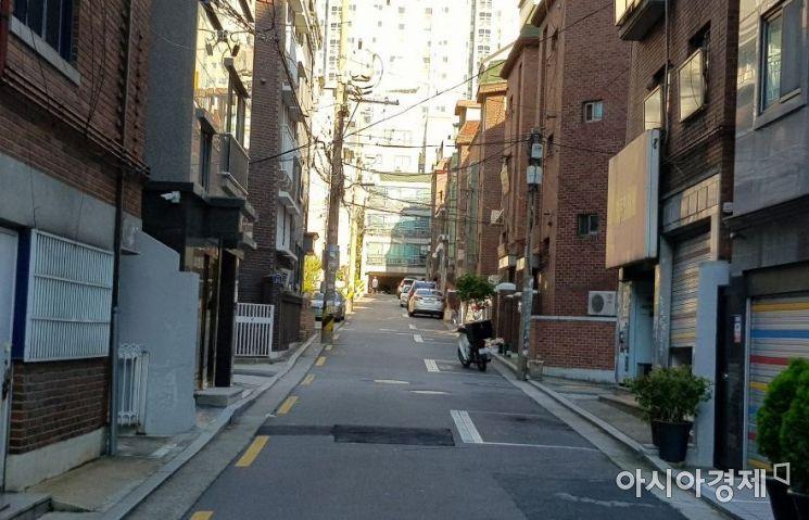 '혼자 사는 여성' 이 씨가 살고 있는 자취촌 거리 모습.사진=한승곤 기자 hsg@asiae.co.kr