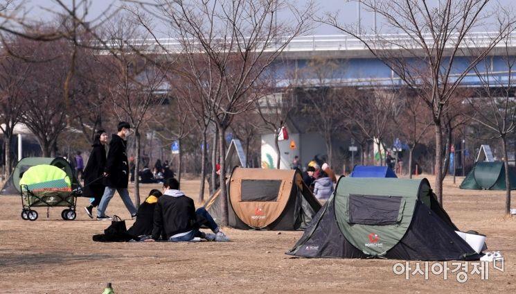 [포토] 봄 마중 나선 시민들