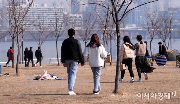 [포토] 봄 나들이 나선 시민들