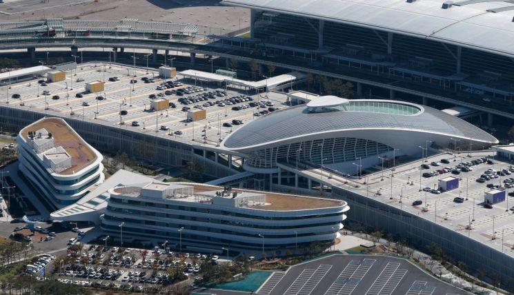 싱가포르 창이공항, 7년째 '세계 최고공항'…인천공항 3위