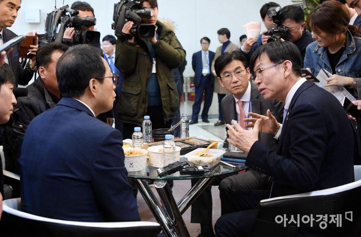 [포토] 프랜차이즈 창업박람회 찾은 김상조 위원장