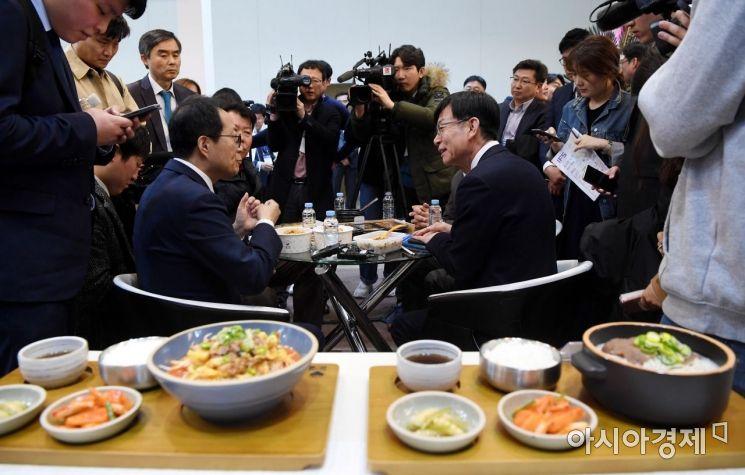 [포토] 김상조, 프랜차이즈 업계 관계자들과의 대화