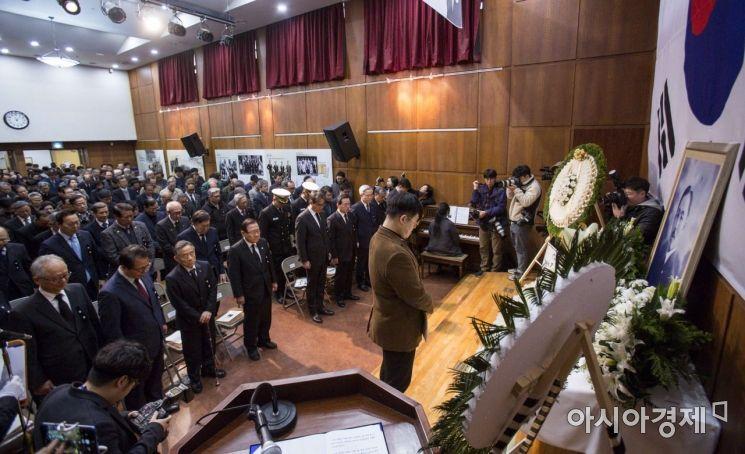 [포토]도산 안창호 선생 81주기 추모하는 참석자들