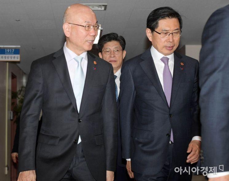 [포토]국무회의 향하는 박상기·이효성