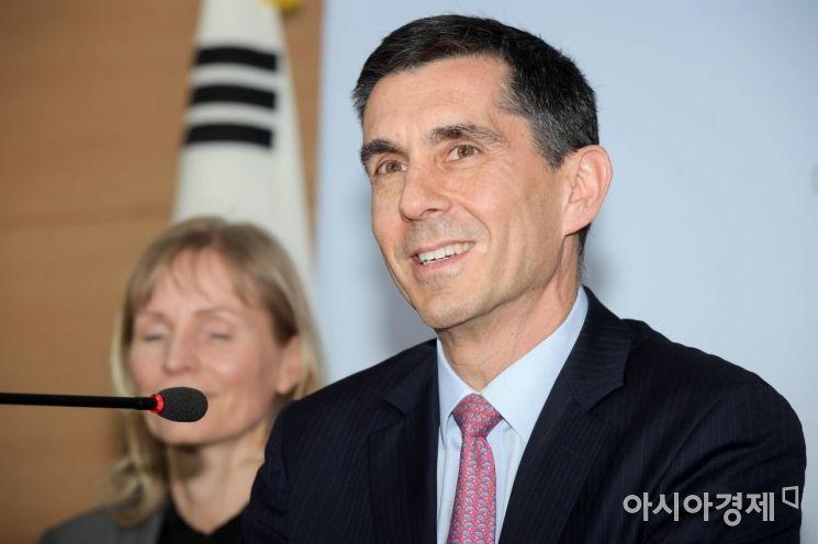 [포토]연례협의 주요 결과 발표하는 페이지오글루