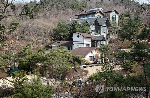 성 접대 장소로 지목된 강원 원주시 한 지역에 위치한 별장 모습.사진=연합뉴스