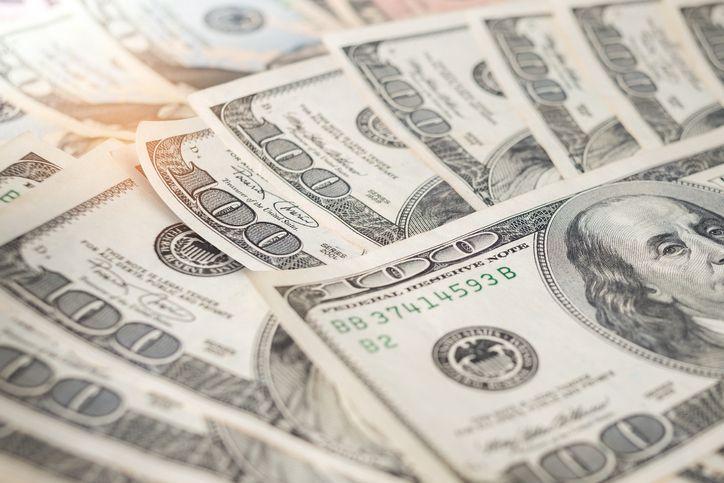 성장쇼크에 원·달러 환율 급등…2년3개월 만에 최고치(상보)
