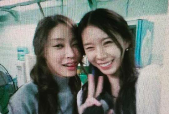 故장자연 씨와 배우 윤지오/사진=윤지오 인스타그램 캡처