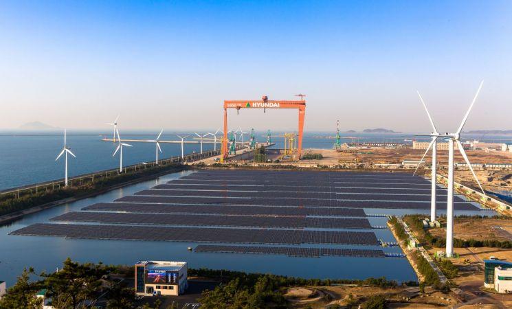 국내 최대 규모 수상태양광인 군산수상태양광발전소 전경.