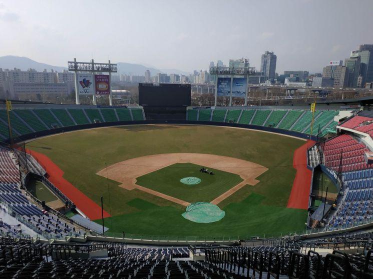 '야구의 성지' 잠실야구장 새 단장…23일 프로야구 개막식 때 첫선