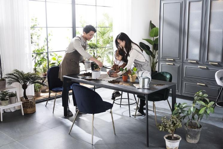 [입소문 난 혼수가구]현대리바트 세라믹 식탁 '스와레'