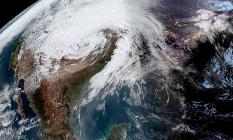 미국 중서부 일대를 뒤덮은 거대한 '폭탄 사이클론'의 모습(사진=미국해양대기청/NOAA)