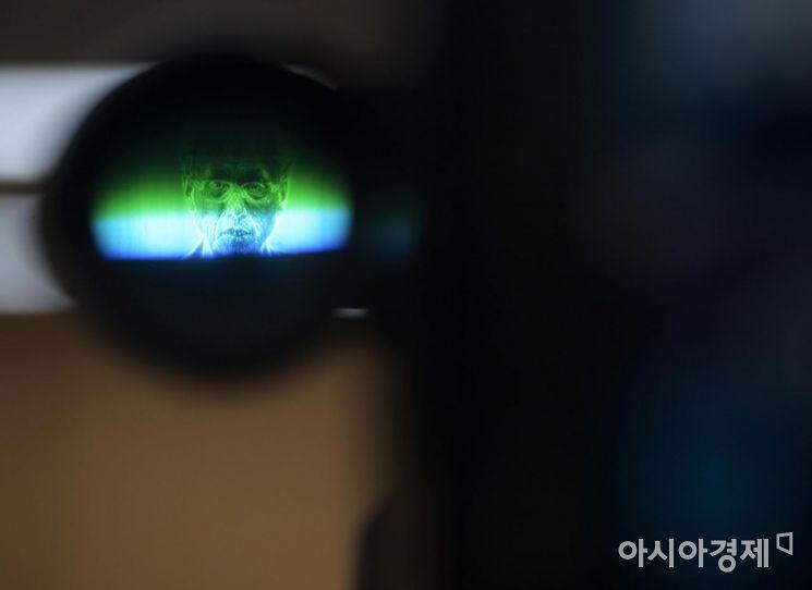 [포토]카메라 속 문성현 경사노위 위원장