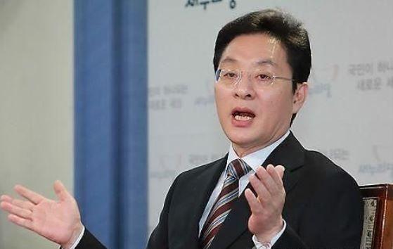 '정치 책사' 정두언, 숨진채 발견…갑작스러운 '비보'에 정치권 충격