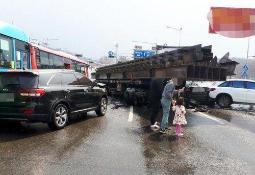 경기도 김포시 양촌읍의 교통사고 현장 / 사진=연합뉴스