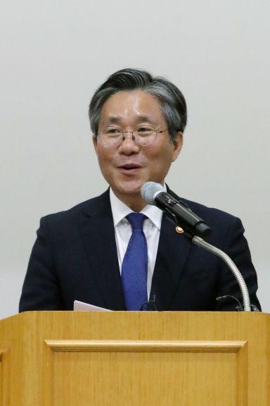 성윤모 산업통장자원부 장관.(자료사진) [이미지출처=연합뉴스]