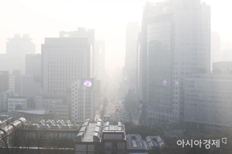 [포토]봄이 두렵다, 일상이 된 미세먼지
