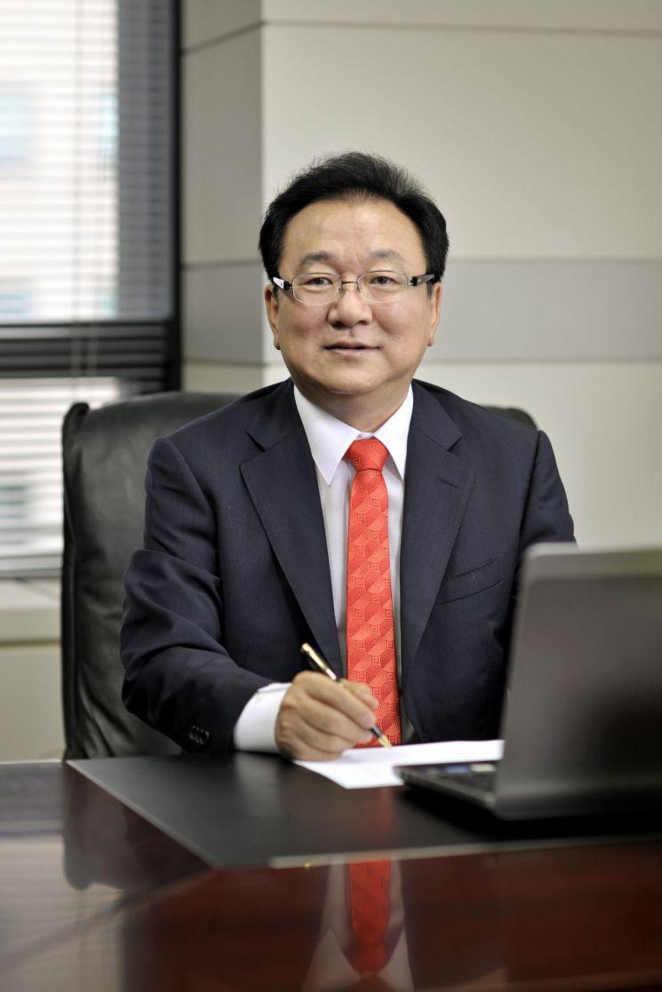 윤병묵 JT친애저축은행 대표