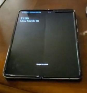 유튜브를 통해 공개된 '갤럭시폴드'의 실제 사용 영상/사진=유튜브 채널' 폰오브타임'