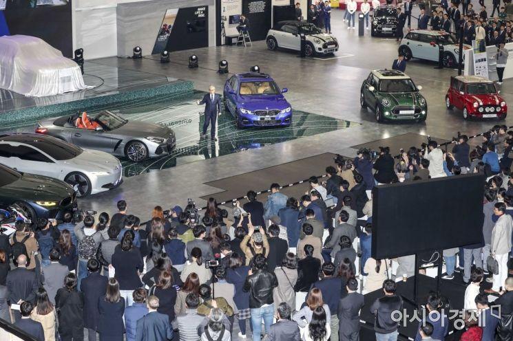 [포토]서울모터쇼서 신차 공개하는 BMW