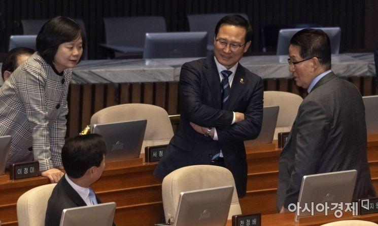 [포토] 박지원 의원 찾아간 홍영표 원내대표