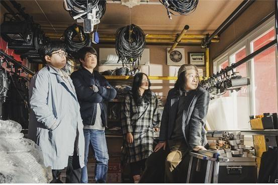 왼쪽부터 김민경, 백석현, 윤혜진, 쯔카구치 토모 연출  [사진= 국립극단 제공]