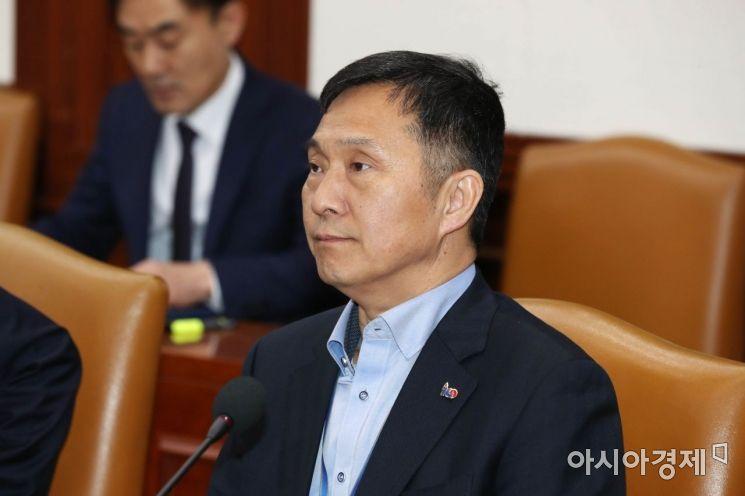 [포토]사회관계장관회의 참석한 김연명 사회수석
