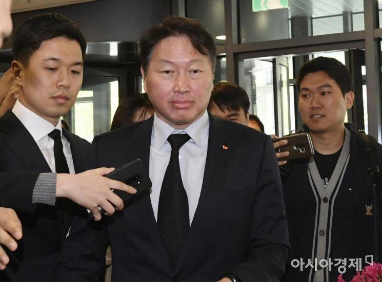 [포토] 조양호 회장 빈소 향하는 최태원 SK회장