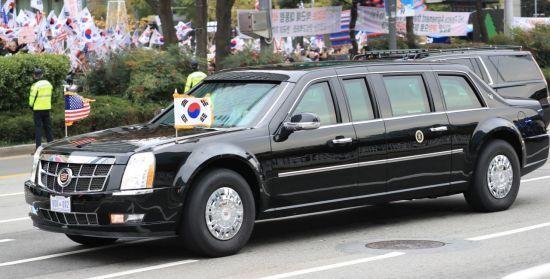 미국 대통령 전용 대형 캐딜락의 공식 명칭은 '캐딜락 원'이다. 그러나 '비스트(야수)'라는 별명으로 더 잘 알려져 있다(사진=연합뉴스).
