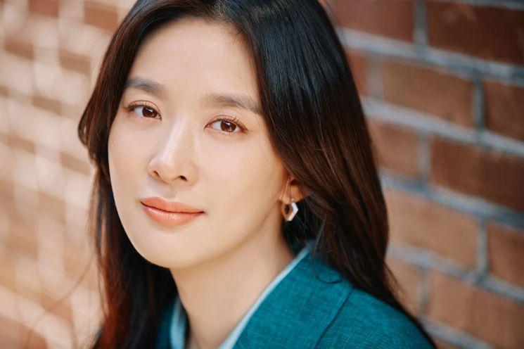 """[인터뷰①]이청아 """"'늑대의 유혹' 이후 15년…이젠 액션하고파"""""""