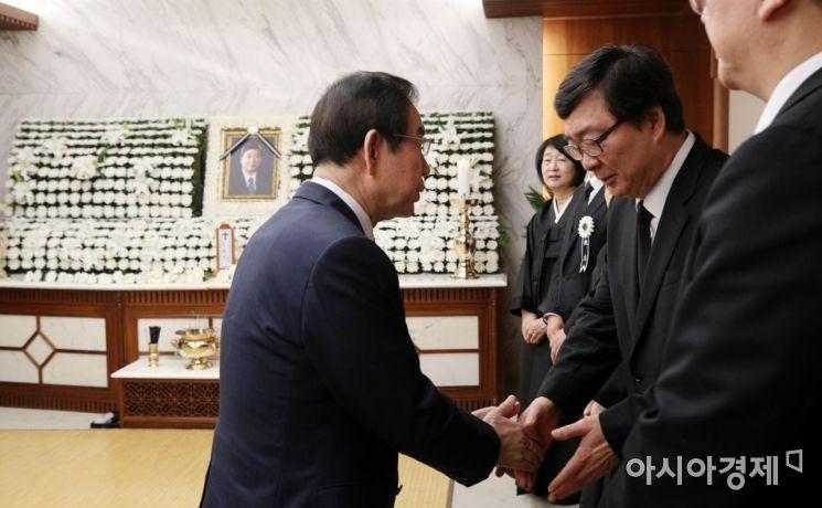 [포토]유가족 위로하는 박원순 시장