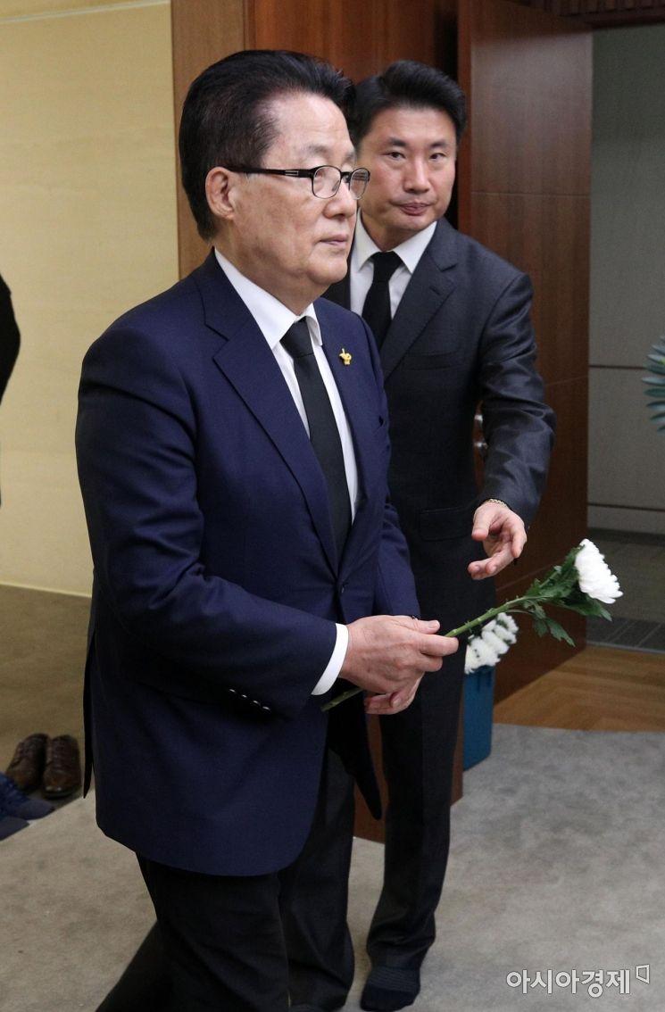 [포토] 고 김홍일 빈소 조문하는 박지원 의원