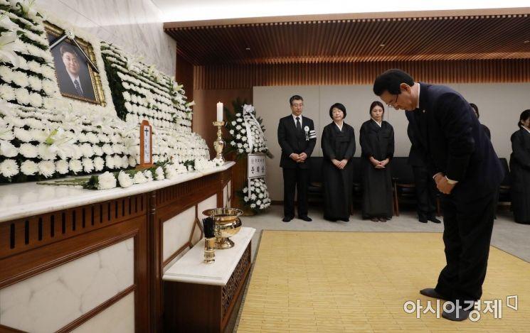 [포토] 김홍일 전 의원 빈소 찾은 김영록 전남지사