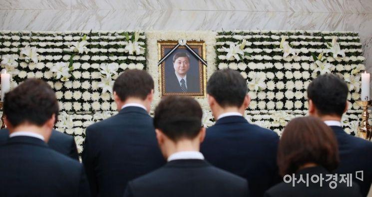 [포토] 고 김홍일 전 의원 빈소 조문행렬