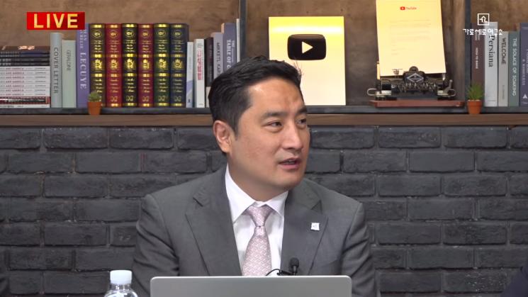 19일 '가로세로연구소' 채널에 올라온 '강용석 임블리 진실 논쟁' 영상 / 사진 = 유튜브 '가로세로연구소' 영상 캡처