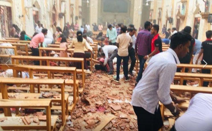 부활절 스리랑카서 교회·호텔 6곳 연쇄폭발…최소 160명 사망(종합)