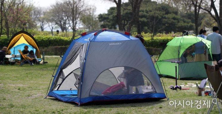 [포토] 한강공원서 텐트 2면 개방 않을 땐 과태료 100만