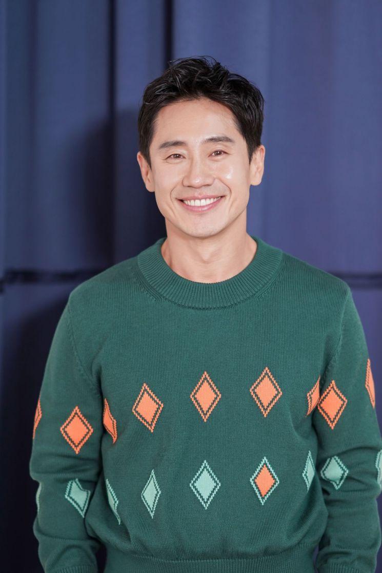 """[인터뷰②]신하균 """"'어벤져스4'와 대결? '나의 특별한 형제'도 봐주셨으면.."""""""