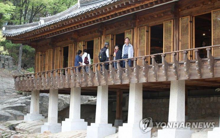 200년 넘게 베일에 싸여있다 23일 오후 일반인에게 한시적으로 공개된 서울 성북구 성락원(城樂園).사진=연합뉴스