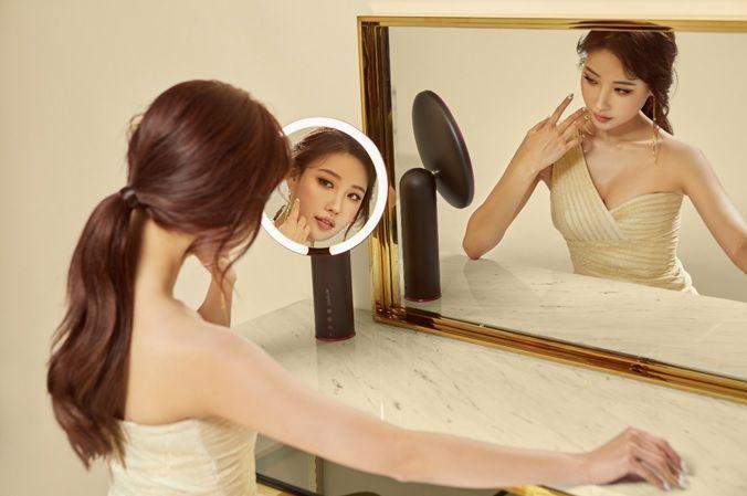 CJ ENM, 펀샵 '아미로 메이크업 거울' 모델로 유튜버 이사배 발탁