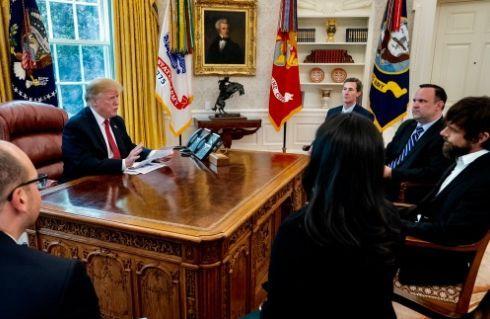 '트위터 마니아' 트럼프, 백악관서 트위터CEO 만나