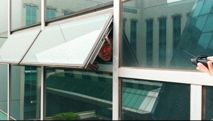 채이배 바른미래당 의원, 회관 사무실 탈출