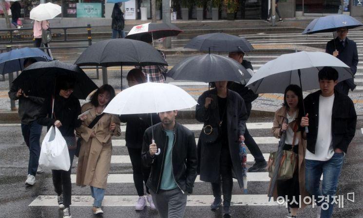 [날씨]오늘 밤 비 대부분 그쳐…미세먼지 보통~좋음