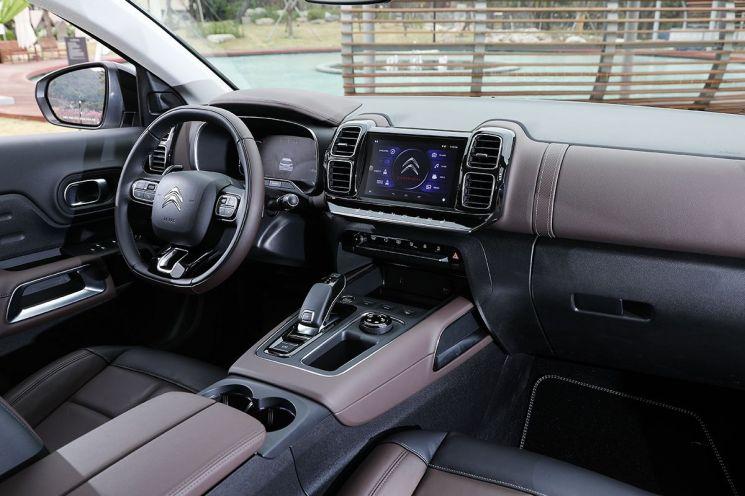 시트로엥 뉴 C5 에어크로스 SUV 실내